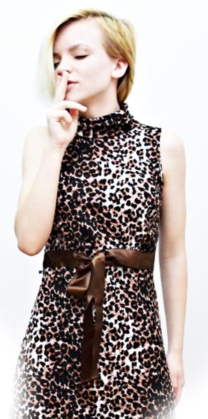 модель в леопарде